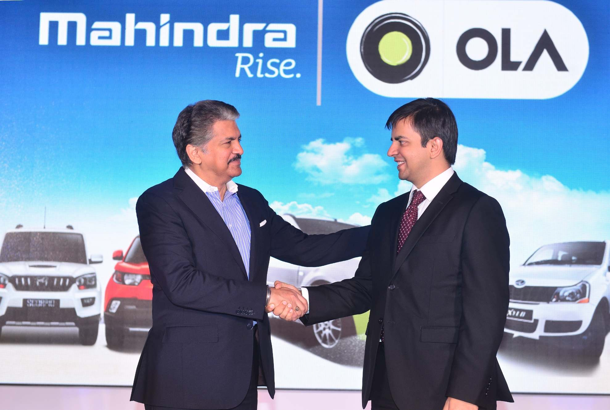 Anand Mahindra Chairman Mahindra Group AND Bhavish Aggarwal Co Fou
