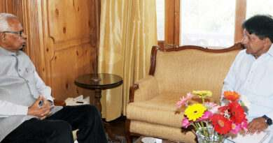 governor-meeting-sh-ghulam-nabi-kashmiri-19