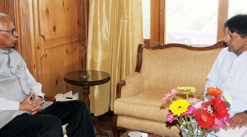 governor-meeting-sh-ghulam-nabi-kashmiri-19