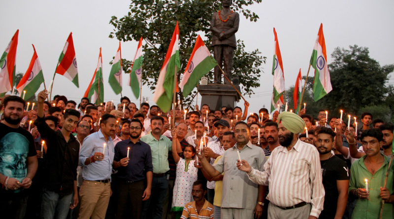 Team Jammu members paying tributes to the martyrs of Uri.