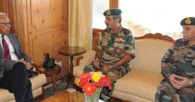 27-governor-meeting-generals