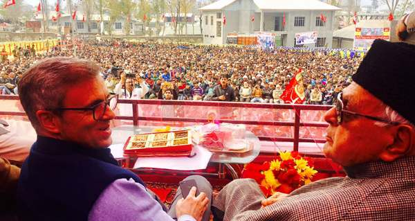dr-farooq-abdullah-and-mr-omar-abdullah-addressing-workers-rally-at-kishtwar