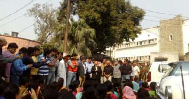 kashmiri-employees-2