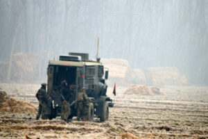 kashmir-army-personnel-takes-position-towards-house-amid-heavy-fog-during-40-hour-long-encounter-in-which-two-militants-were-killed-at-arwani-in-anantnag-umar-ganie-05