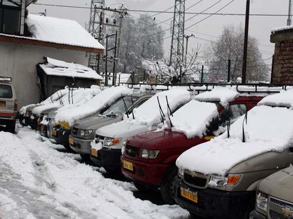 kashmir-snowfall3