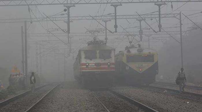 Heavy fog cover in  Delhi and poor visibility on Wednesday Express photo by Prem Nath Pandey 30 nov 16