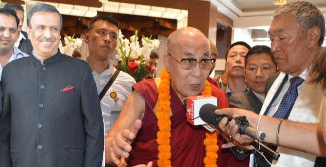 Dorjay, Mattoo accord warm reception to Dalai Lama in Jammu