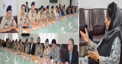 chief-minister-interacts-with-police-officers-14