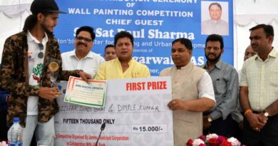 JMC Wall painting competition: Sat Sharma gives cash awards to winners