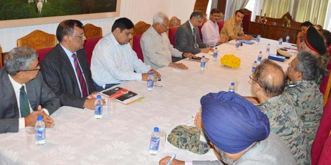 governor-chairing-security-review-meeting