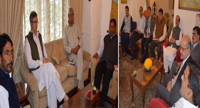governor-meeting-leaders-of-political-parties-at-rajbhavan
