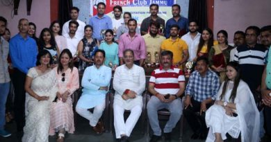 Kavinder, Zorawar felicitate young entrepreneurs and budding youth of Jammu