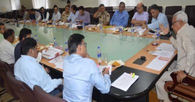 governor-chairing-meeting-to-review-encroachments-of-public-lands-and-water-bodies-at-sectt-21