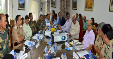 governor-chairng-shri-amarnathji-yatra-review-meeting