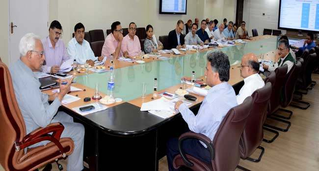 governor-reviewing-functioning-of-the-school-education-department